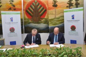 Akt podpisania umowy o dofinansowaniu inwestycji